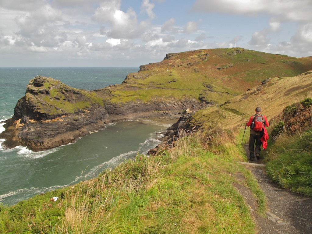 Hiking along the coast at Boscastle