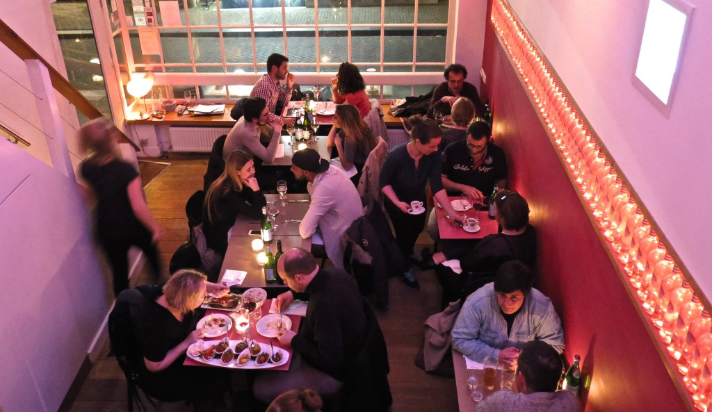 People dining in the sleek, contemporary Restaurant Max in Amsterdam