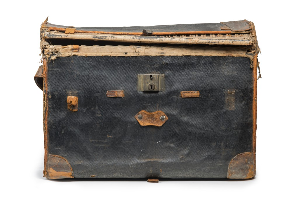 Trunk used by John Robinson to conceal the body of Minnie Bonati in 1927. © Museum of London