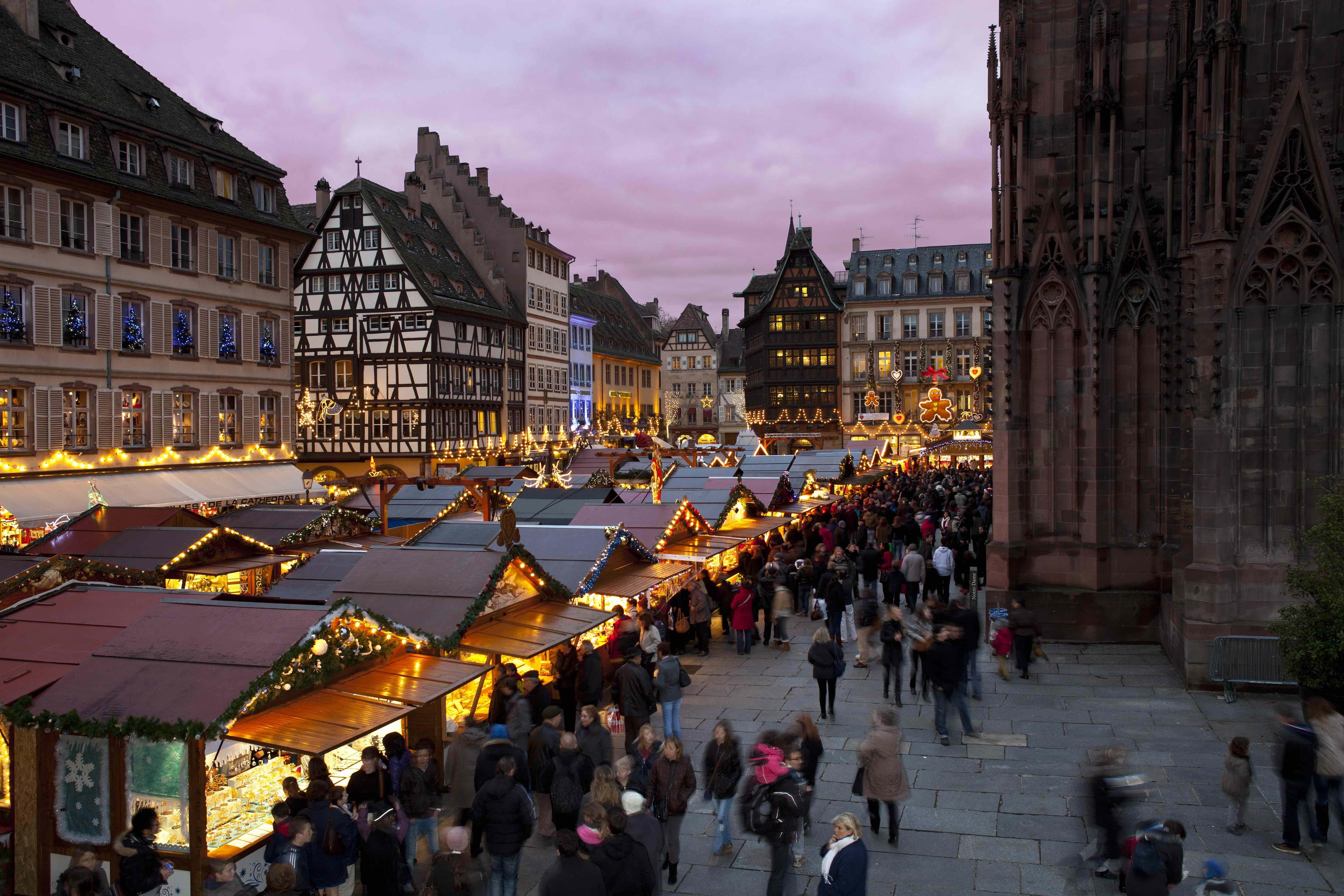 Christmas market in strasbourg france credit christophe hamm