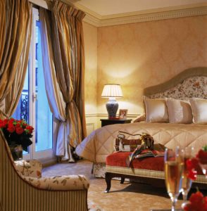 Deluxe Junior Suite. Courtesy Hotel Metropole Monte Carlo.