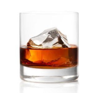 METAXA 12 Stars on the rocks.